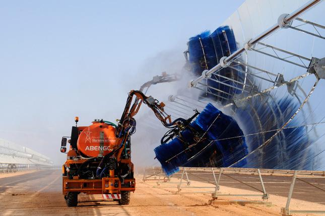 Zero-emission boat prepared for round-the-world Odyssey ...  |Zero Emission Energy