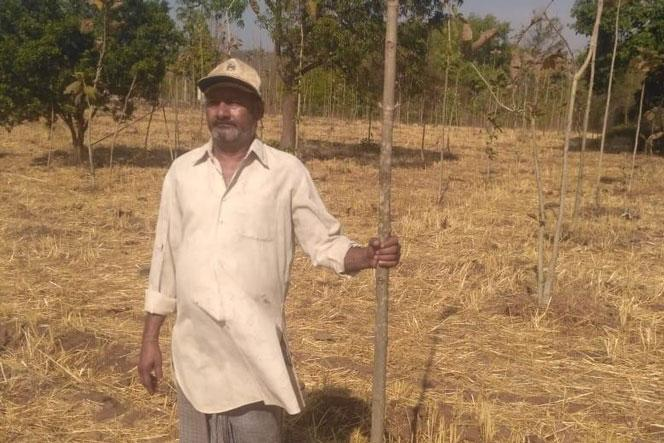 A farmer of Gomtipura village