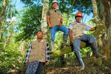 Comuneros del Pueblo Indígena Shipibo Conibo realizando la vigilancia y control de las tierras indígenas.